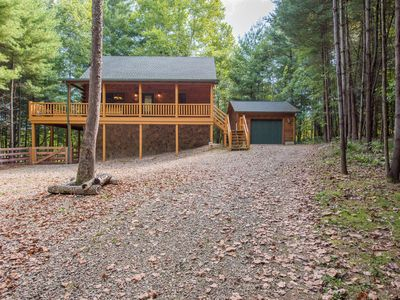 Photo for Luxurious pet friendly cabin with fenced yard! Close proximity to hiking and activities.
