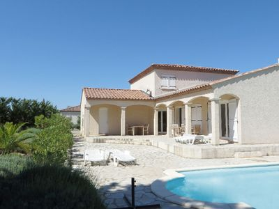 Photo for Luxurious villa with private swimming pool and beautiful view of Minervois