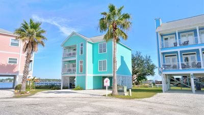Photo for DELIGHTFUL HOUSE, LAGOON VIEWS, 5 MINUTE WALK TO THE BEACH!