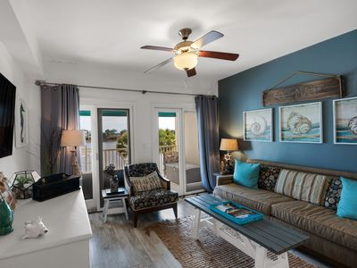"""Photo for """"Sol Mate"""" - Carillon Beach Inn B210* newly refurbished lakefront one bedroom"""
