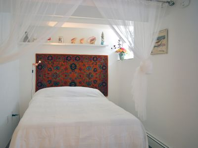 Photo for Charming Modern Studio near L Train. Panic place to escape busy city.