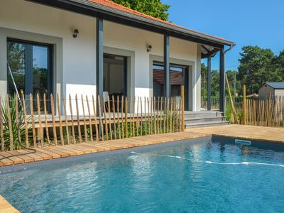 Photo for Charming villa at the foot of the bike path - 3 kms from the beaches