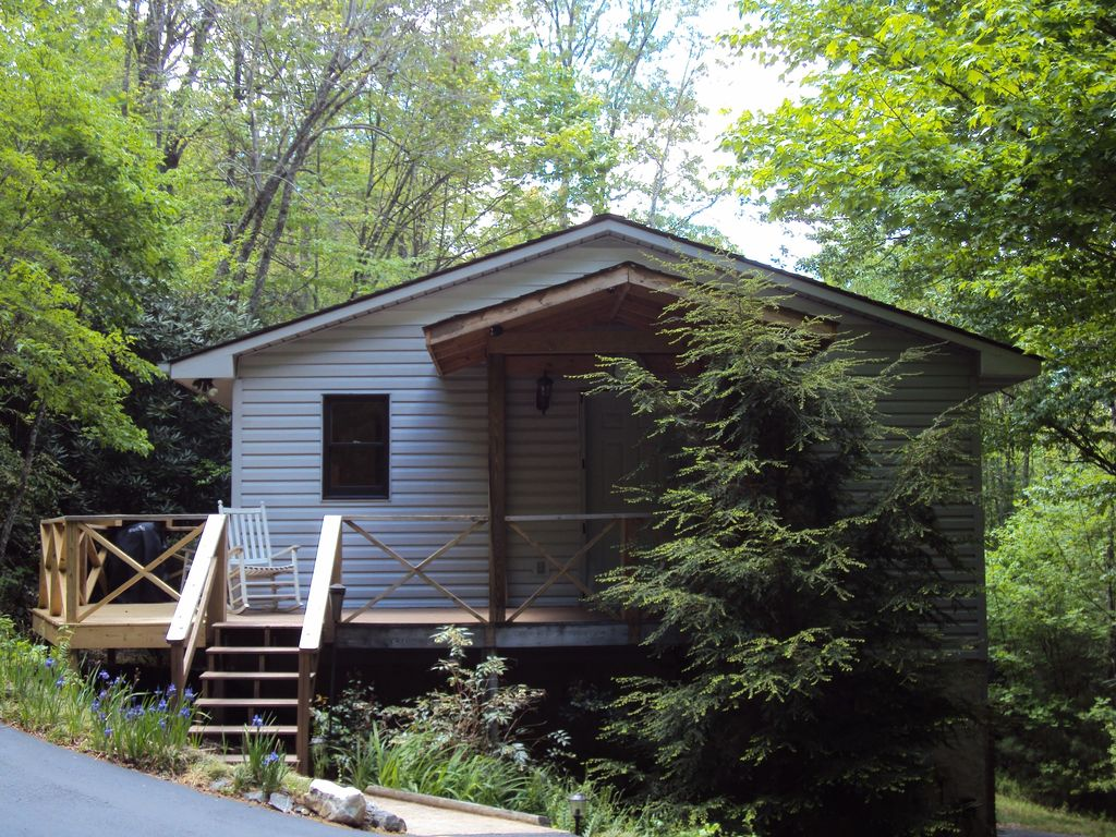 Private Mountain Cottage Close To Dupont State Forest And