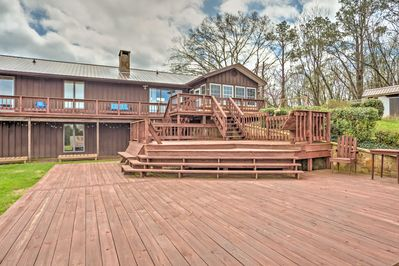 Your crew will enjoy spending time outdoors on the multi-level deck.