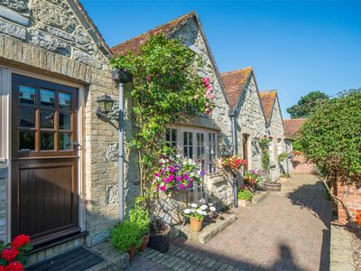 Photo for 2 bedroom Cottage in Shanklin - IC055