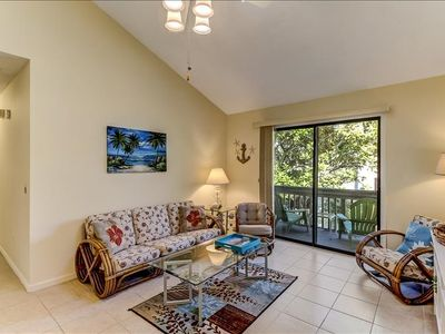 Photo for Close to the beautiful Amelia Island Beach, community pool and dogs allowed!