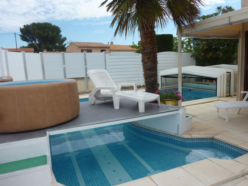 300m plages villa climatisee piscine indoor ou outdoor for Jacuzzi ou piscine