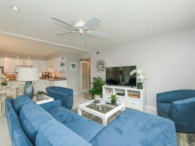Photo for Downtown Sarasota Condo on Golden Gate Point, Quick access to Lido Beach