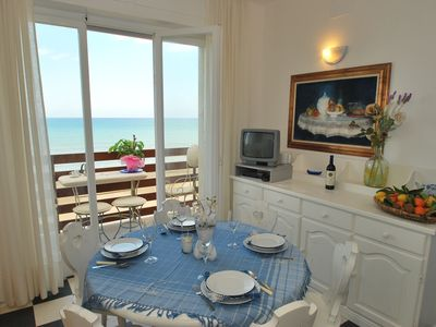 Photo for Enchanting sea views and 2 terraces, apartment by the sea