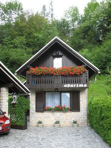 Holiday house in alpine area, close vicinity to ski slopes, lake, cycling route