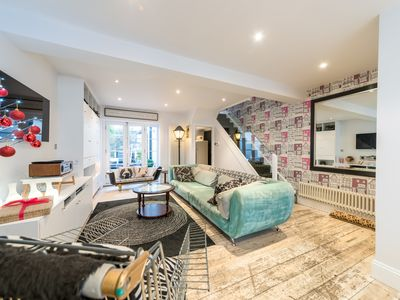 Photo for Stunning Victorian 3-bed / 2-bath property with private courtyard