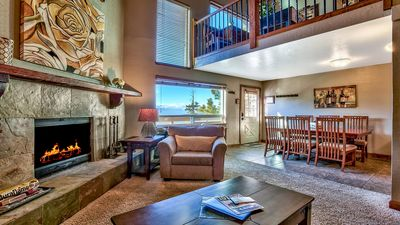 Luxury Lakeview 3 Bd 2 Bth +Loft  Ski In/Out Condo