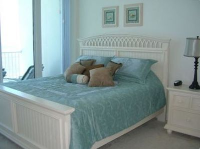 So Comfy King Bed w Master Bath attached and  balcony access.