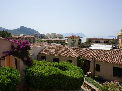 Photo for Beautiful and centrally located apartment with sea views - only 150 to the beach