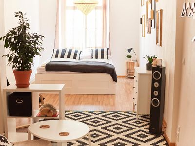 Friday Song's Beautiful 2-room apartment by Charles bridge and Prague Castle