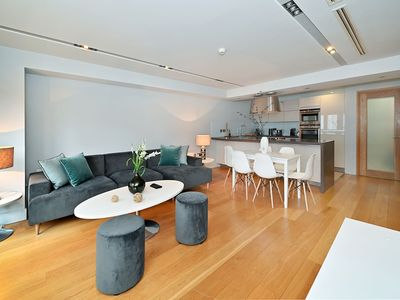 Photo for Luxurious Apartment in London near Hyde Park and Big Ben
