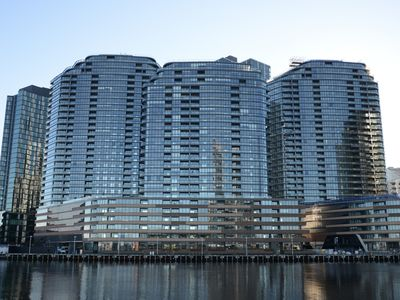 Photo for JC Waterfront Views Apartments in Melbourne FREE: Parking/Wifi/Tram Zone/Netflix