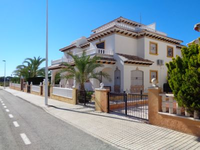 Photo for Luxurious townhouse on El Pinet beach in La Marina