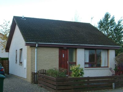 Photo for Well appointed detached bungalow with enclosed rear garden