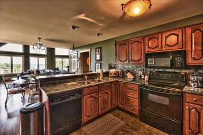 A ocean  view and  a fully equipped kitchen