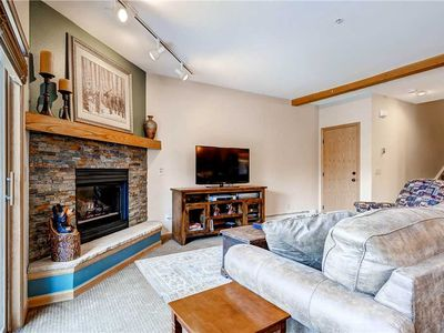 Photo for Mountain views from this bright and airy condo!