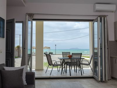Photo for Apartment on the beach promenade of Kokkinos Pirgos with sea view