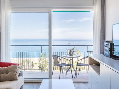 Photo for Modern penthouse with spectacular sea views