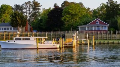 Cranberry Cottage - waterfront property on Cobb Island, MD