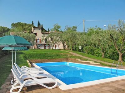 Photo for Garda Apartment, Sleeps 5 with Pool, Air Con and WiFi