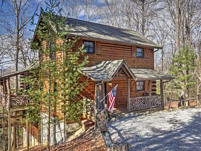 Photo for Beautiful Cabin, Club Access..SPRING, SUMMER AVAILABILITY