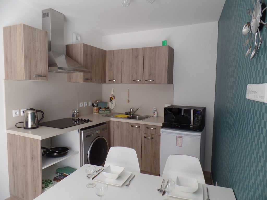 Nice   Port, Modern One Bedroom Apartment With Private Garden