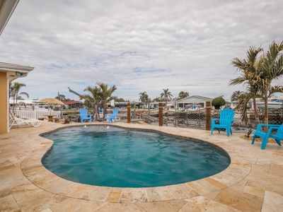 Reduced Fall rates, FREE Boat, Heated Pool, bikes, kayaks, grill and WIFI