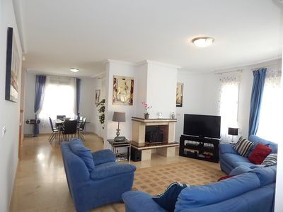 Spacious lounge with 42in HD TV + sound bar and UK HD freesat box