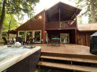 Photo for Close to the Sandy River. Hot tub, WIFI and Xbox