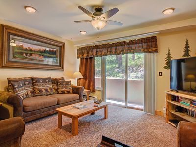 Photo for Spacious 1-Bedroom with Large Kitchen, Walk to Town/Base of Peak 9, Columbine Pool Complex Access
