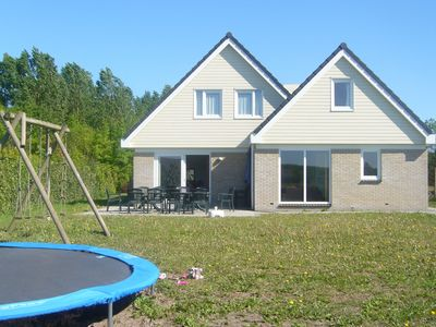 Photo for Comfortable holiday home, located in a rural location in Zeewolde, Flevoland