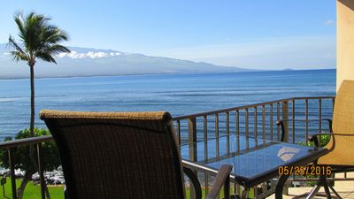 Photo for Direct Oceanfront Maui - Best Turtle Watching Spot on Maui