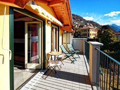 Photo for Holiday apartment Casa Vittoria with a balcony and great view of the lake, only 5 min away from the lake