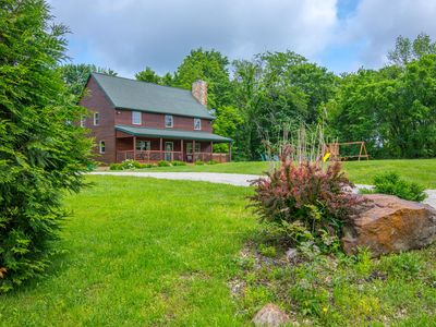 Photo for Great family lodge with 5 bedrooms, outdoor playset, fire ring and hot tub! Close to Old Man's Cave!