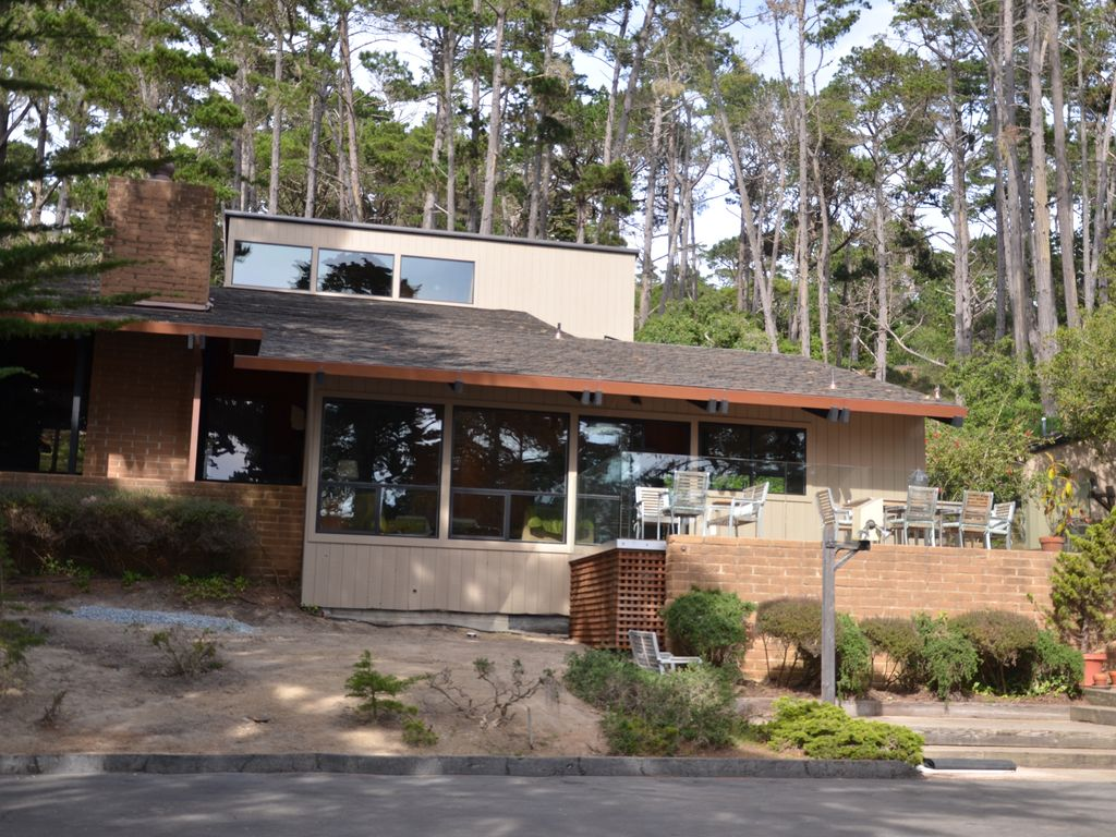 Casa con campo de golf para 8 personas en pebble beach for Case del nordovest contemporaneo