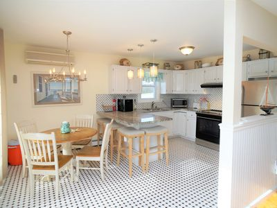 1st floor 3 bedrooms, 3 baths, for whole house refer  listing 648133 or 4728795