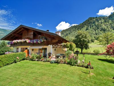 Photo for Modern and cozy country house in a beautiful location, near the center.