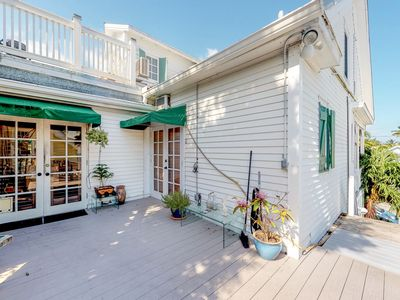 Photo for NEW LISTING! Charming Key West apartment - easy walk to shops, dining & seaport!