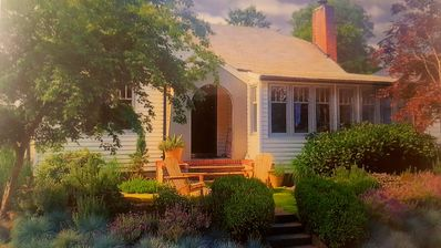 Photo for AMITY WINE COTTAGE – Wonderful Vintage Charm and Décor in Oregon Wine Country