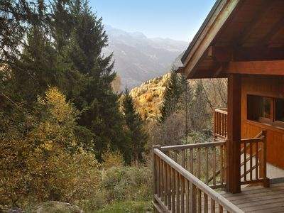 Photo for Detached chalet with open fire in the exclusive Alpe d'Huez chalet district.