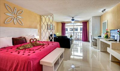 Photo for Comfortable suite in the heart of Playa del Carmen