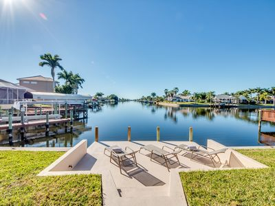 Photo for Great water views, large pool deck, house with a pool table and plenty of comfort