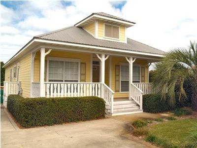 Photo for Pineapple Cottage: 3 BR, Pvt Pool, Close to Beach