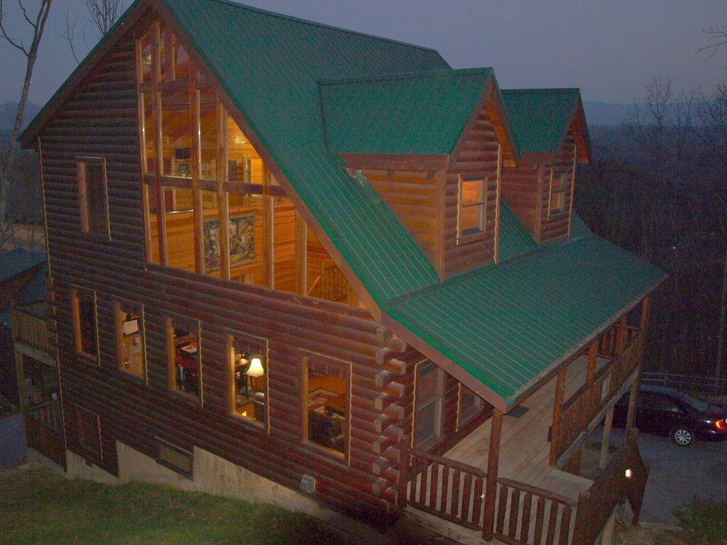 Near dollywood 5 3 log cabin w mtn views fast wifi for Gatlinburg dollywood cabins