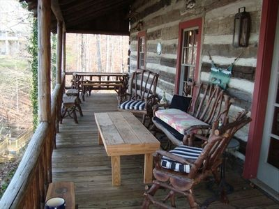 Main floor deck with picnic table (located end of picture) for outdoor dining